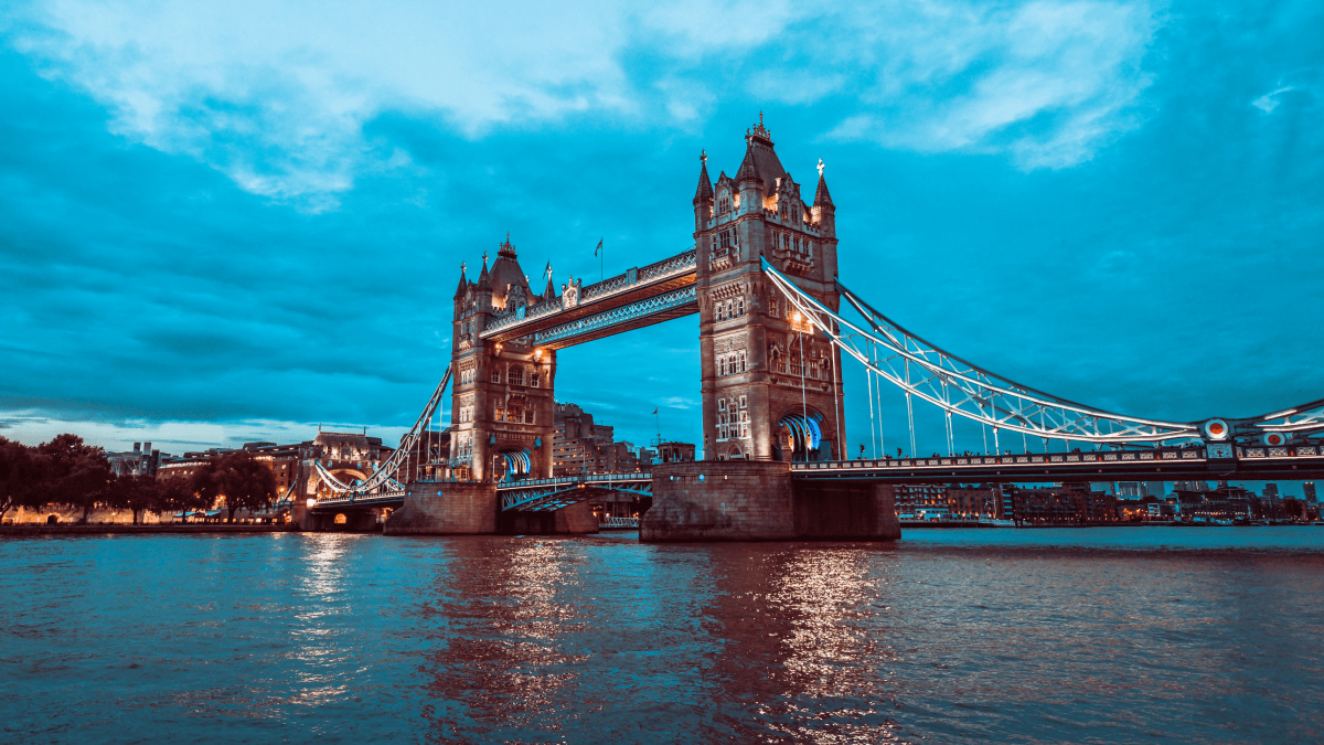 The cockney accent represented by the Tower Bridge in London.