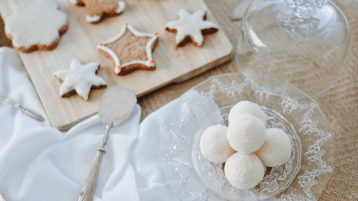 A plate of traditional German Christmas cookie pfeffernusse